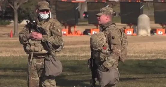 2.5万名保护国会美军43人感染新冠,剩下的不测了