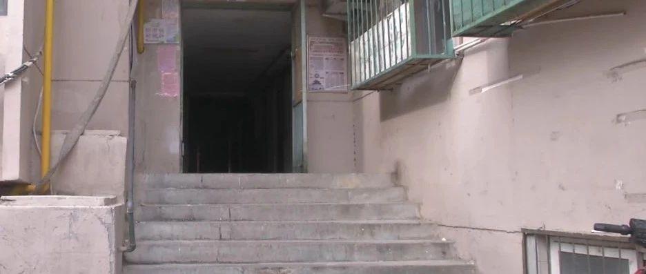 这个楼门能加装无障碍坡道吗?