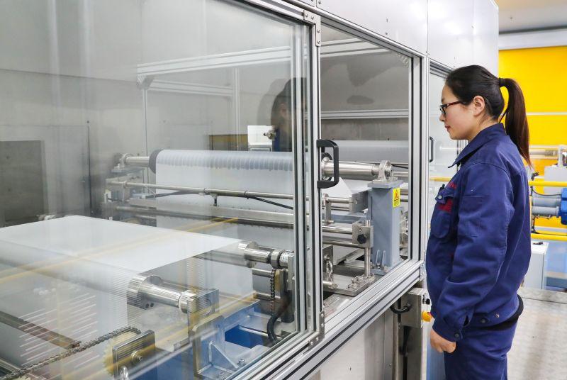 连云港中复高端反渗透膜生产线调试成功顺利投产