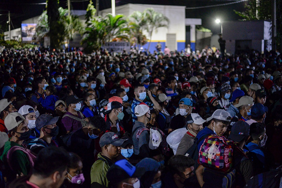 早安·世界|大量洪都拉斯移民聚集危地马拉边境,望入境美国