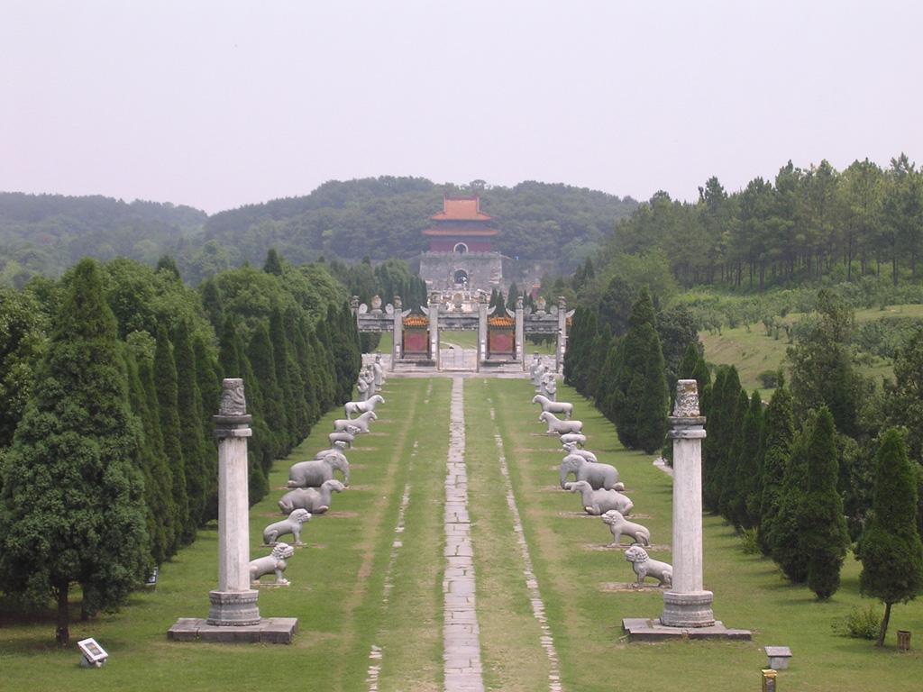 湖北一座历时47年建成的帝王陵,是中南六省唯一的明代帝陵