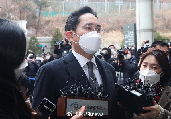 韩国三星电子副会长李在镕(이재용)在闺蜜门案件中……