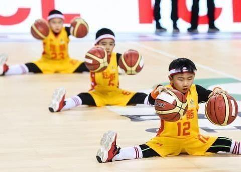 19/20CBA第24轮:南京和曦Vs上海九时萌打篮球体操