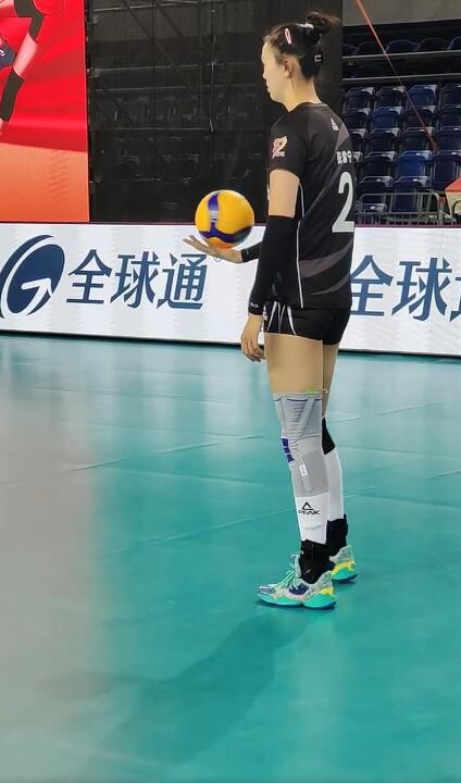 奥运冠军仅得一分,张常宁再现发球绝技