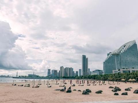 广东湛江最受欢迎的沙滩,填海造陆而成,承包了湛江人的夜生活