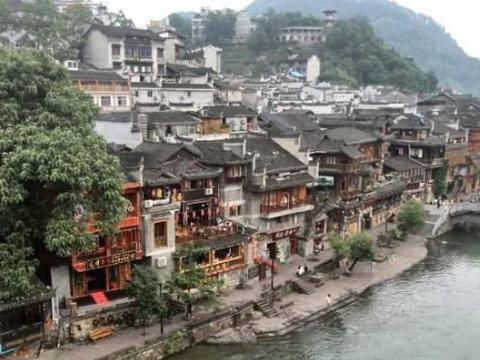 这座水城距今已有2300年,比凤凰古城还漂亮,而且不要门票