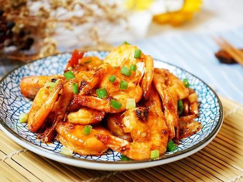 超下饭的椒盐虾,口感鲜美,做法简单,全家人都喜欢吃