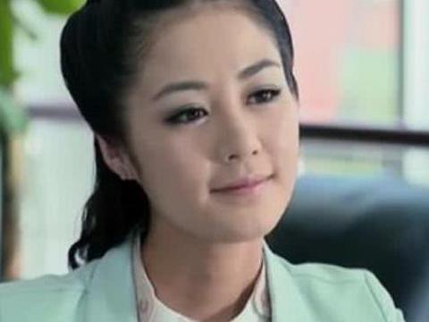 她是赵本山最器重的女弟子,栽培十一年后退圈,如今豪门生活幸福