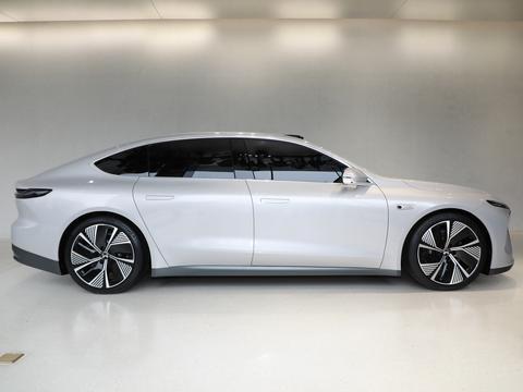 工信部部长:中国品牌电动车在中高端市场站稳脚跟