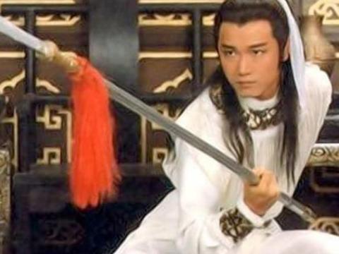歪解戏说,《射雕英雄传》中,杨康为何对黄蓉的美貌无动于衷