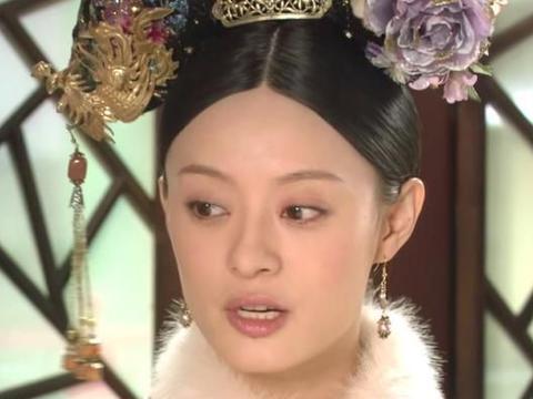 甄嬛送皇上寝衣时,谁注意上面的图案?暗示了果郡王和她的结局