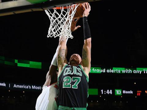NBA爆大冷!17冠王单场仅得75分,5连胜终结丢掉榜首