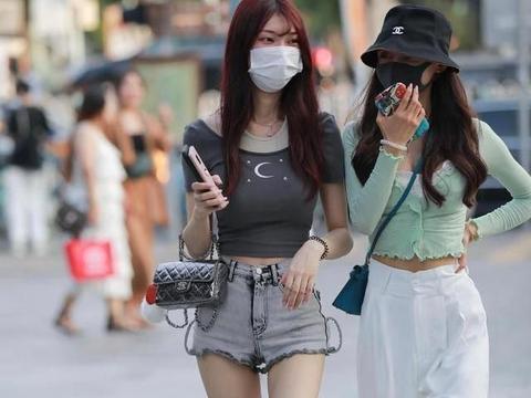 C位少女真会穿,时尚服装作用大,大方又美丽