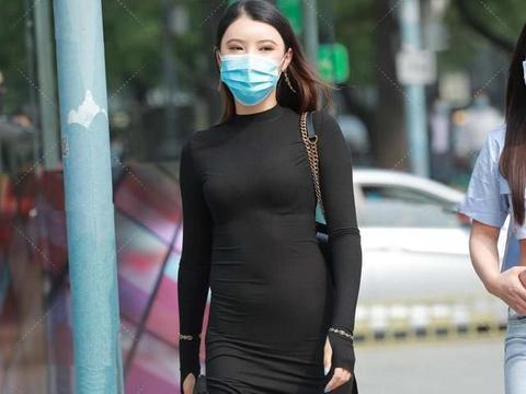 黑色的连衣裙简单高级,助你穿出好身材,优雅又自信