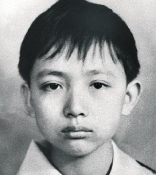 救火牺牲的英雄赖宁,照片为何被学校摘下,事迹还被移出教科书?