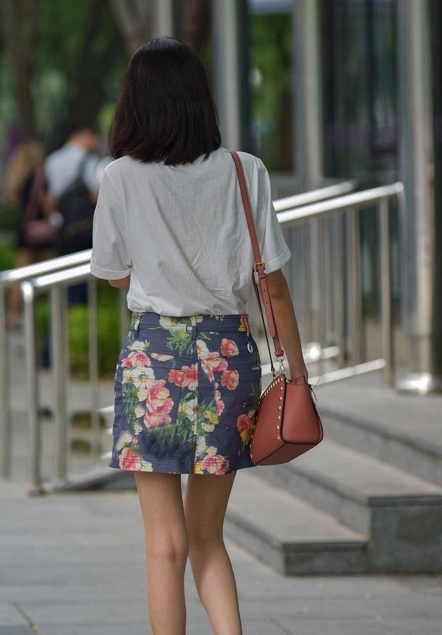 连衣裙显瘦又好穿,勇敢追求新鲜感受,穿出一个优雅淑女的感觉