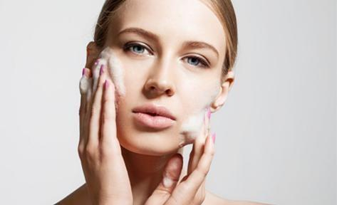 """皮肤敏感、泛红、变粗糙,最大元凶可能就是""""它""""!"""