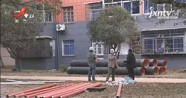 追薪行动.景德镇:工程完工30万工资却没着落,工人们等钱过年