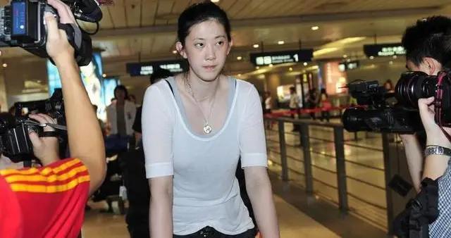 """中国女排的""""玻璃美人"""":伤病是勋章,也是遗憾"""