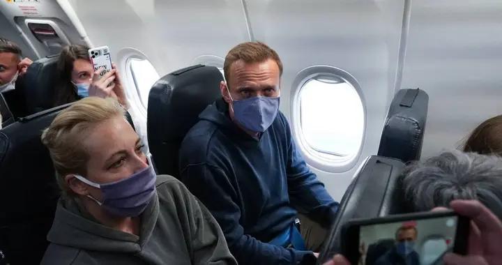 纳瓦尔尼刚下飞机便被拘留,扎哈罗娃与拜登的国家安全顾问交锋