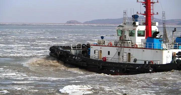 北黄海冰情严峻,丹东海事保障进出港船舶安全