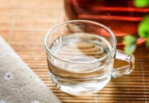 痔疮可以影响正常生活,通过饮食改善