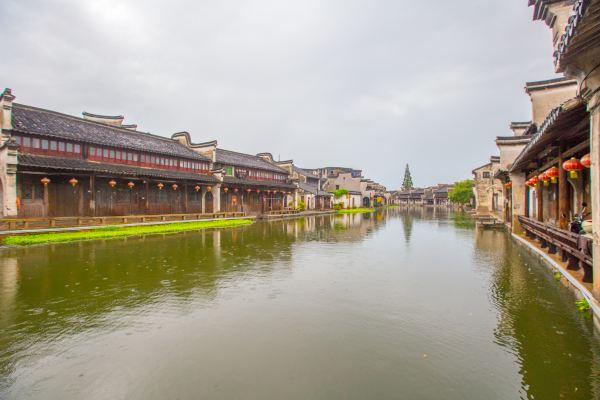江南保存完整的古建筑群,距今400多年,曾为100个婢女而建