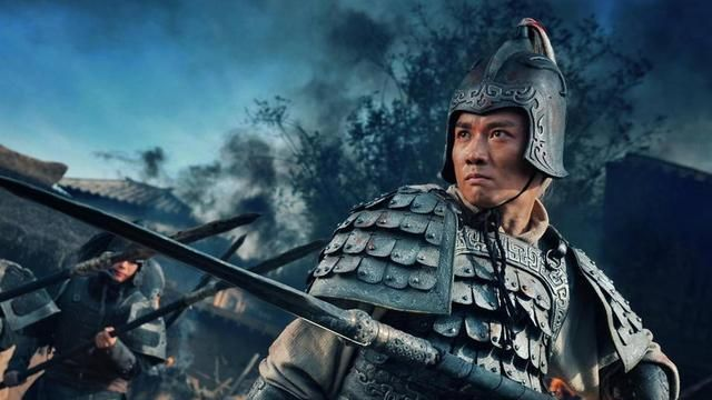 赵云和文丑战六十回合都不分胜负,为什么关羽一刀便斩了文丑?