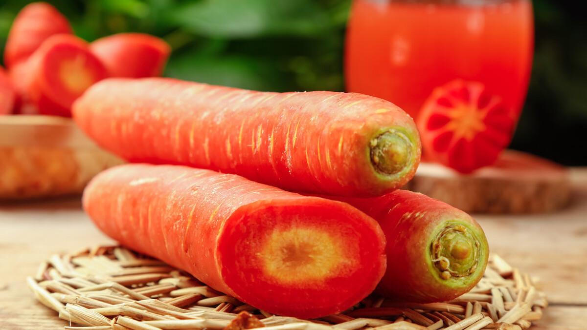 挑选胡萝卜的时候,牢记2个小技巧,挑到新鲜口感好,水分充足!