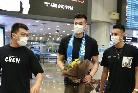 当李慕豪抵达北京并受到翟晓川的欢迎时