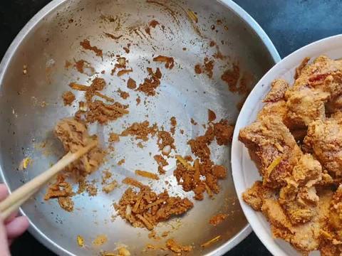 左撇子今天做个家常版的粉蒸排骨,软软糯糯在家就能做的美食