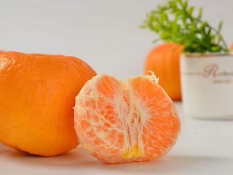 橘子好不好吃看两个地方就对了,学会后挑橘子一挑一个准
