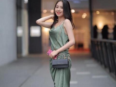 """有个爱穿""""绿色""""连衣裙的老婆,我很苦恼"""