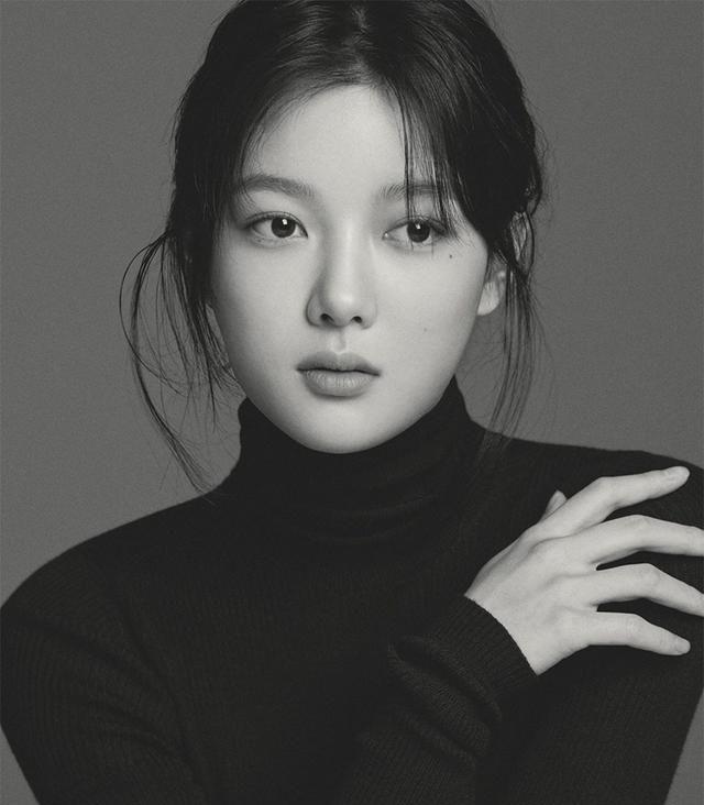 K-Pop明星完美黑白照片背后的简单秘密