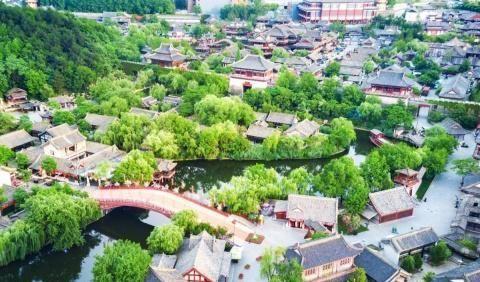 """中国颜值""""最高的""""小镇,有东方好莱坞之称,帅哥美女随着可见"""