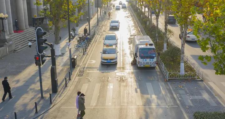 武汉市江岸区中山大道段获评2020年度武汉市市容环境示范路称号