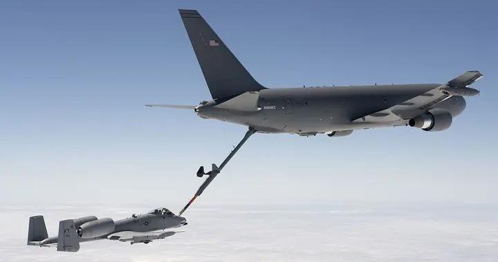 美国向波音订购KC-46加油机,性能如此先进,为何不受其他国欢迎?