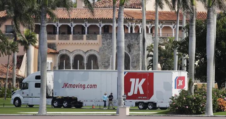 特朗普开始搬家了?美媒拍到搬家公司卡车驶入海湖庄园
