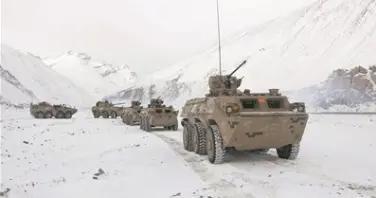 冰雪严寒练犹酣——新疆军区某团实战化演练影像