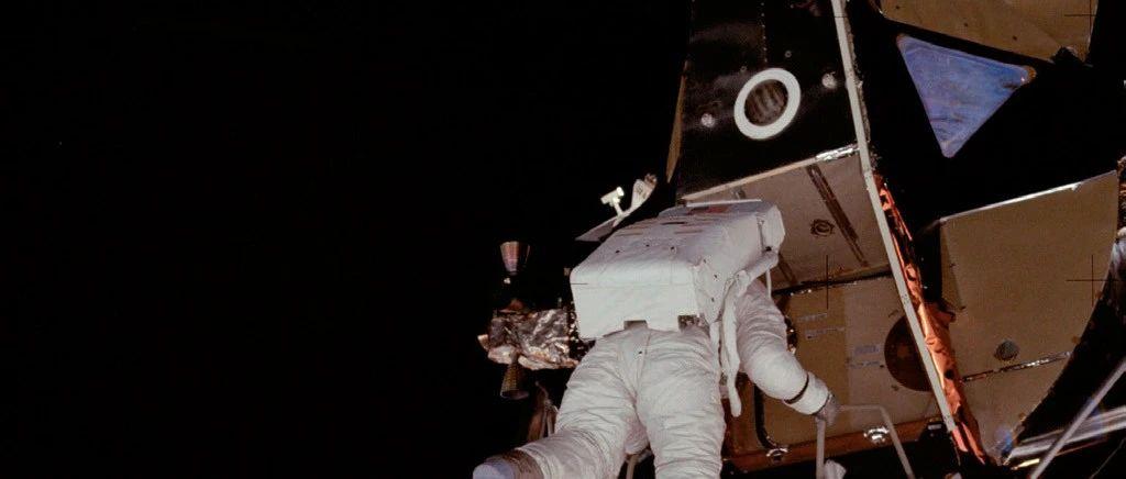 传奇再续  超霸月球表升级为至臻天文台认证