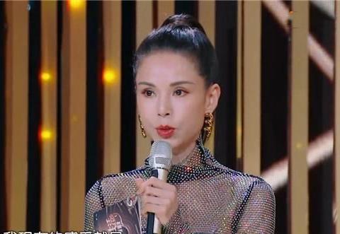 李若彤比韩雪大16岁,看到俩人的颜值对比,网友:不敢信!