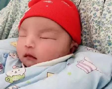 薛之谦前女友当妈!首晒宝宝照片,曾怀胎7月还被男友逼堕胎