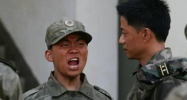 《士兵突击》中,许三多能力不及伍六一,为何却能当代理班长?