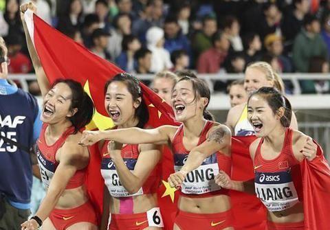 奥运冠军荣得19枚奖牌,退役后20万奖金遭到扣押,为生活街头摆摊