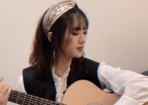 姚安娜宣布进入娱乐圈,任正非支持她无可厚非,有钱又不是原罪