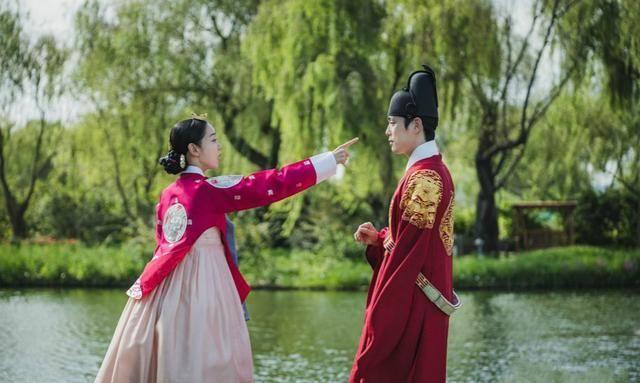 《哲仁王后》:申惠善、金正贤颜值、演技在线,无奈翻译拖了后腿