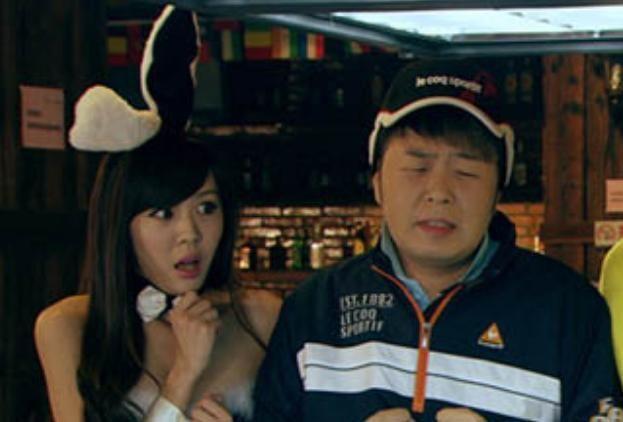 《爱情公寓》真名出演的角色,杜海涛不算啥,最后一个让人发慌