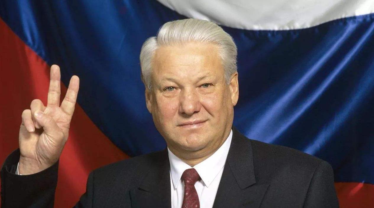苏联解体后,这位国宝级别的元帅自杀,他的一句话令世人为之侧目