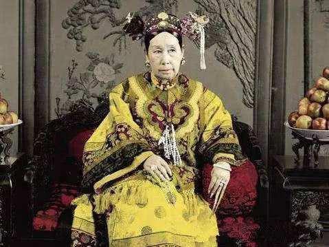 清穆宗皇贵妃富察氏因慈安反对未能成为皇后,被慈禧用来显示尊严