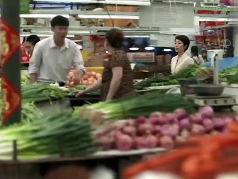 亚菲去菜市场买肉,问安杰她该买多少,安杰的这个回答真是绝了!
